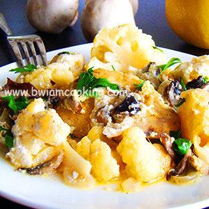 Курица с грибами и цветной капустой в духовке