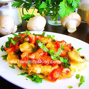 Куриная грудка с грибами и сладким перцем