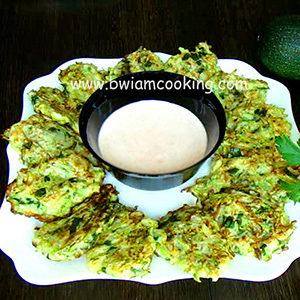 Оладьи из кабачков с яйцом на сковороде – ВИДЕО