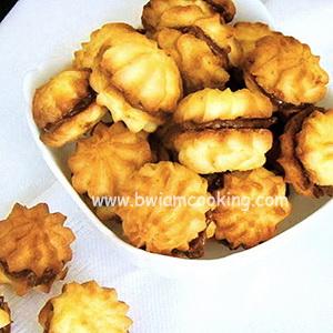 Печенье песочное «Курабье» с вареной сгущенкой