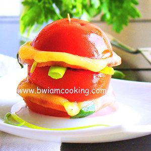 Помидоры с сыром и колбасой в духовке – ВИДЕО
