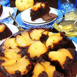 Пирог «Перевертыш» шоколадный с грушами
