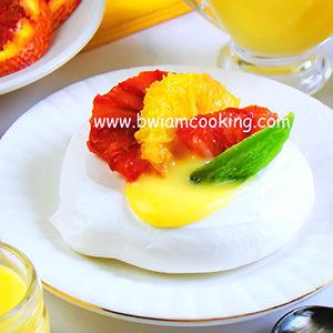 Десерт «Павлова» с апельсиновым курдом