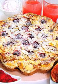 Пирог с посыпкой «Крамбл» с инжиром и малиной