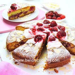 Пирог «Манник» с малиной