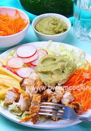Простые и вкусные салаты с авокадо: 5 отличных рецептов