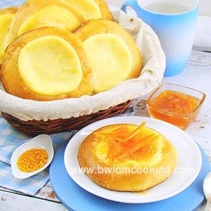 Ватрушки из дрожжевого теста с творогом и апельсинами