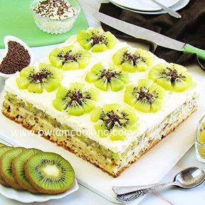 Торт бисквитный с заварным кремом и киви