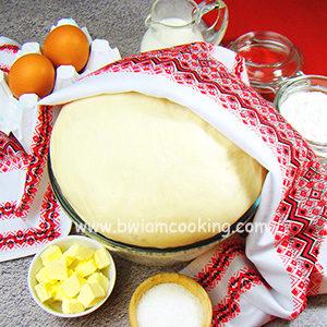 Тесто дрожжевое на молоке и сухих дрожжах