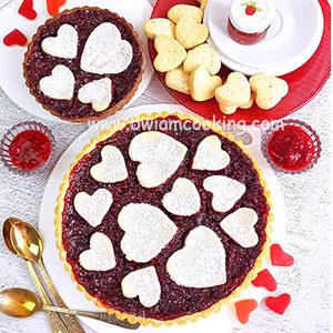 Пирог песочный «Тарт» с вареньем и малиной