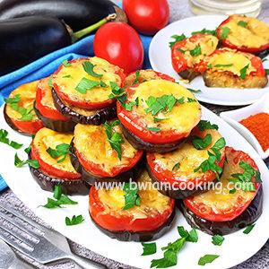 Баклажаны с помидорами и сыром в духовке – ВИДЕО