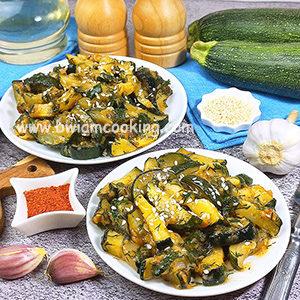 Кабачки жареные с соевым соусом на сковороде