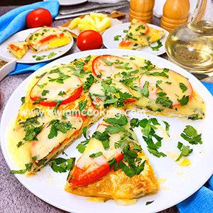 Пицца из лаваша и яиц на сковороде